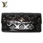 LV M91997黑-壓花漆皮按扣式長款錢包