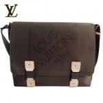 LV M93077啡-大方格LOUP雙扣斜背包