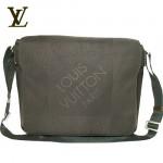 LV M93030啡-時尚男款單肩斜挎包