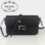 PRADA-BN936-6 專櫃新款 Saffiano 十字纹純色牛皮单肩斜挎包 信使包