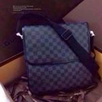 LV N56715 時尚潮流新款男士必備黑格翻蓋單肩包公文包