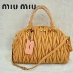 MiuMiu0058-8時尚休閒褶皺杏色羊皮女包手提包