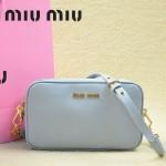 MiuMiu 0069-00  時尚休閒粉藍原版皮女性包包斜挎包