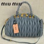 MiuMiu0058-1時尚休閒褶皺羊皮銀灰女包手提包