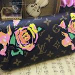 LV M93759-2 歐美風時尚潮流玫瑰花塗鴉ZIPPY長款拉鏈錢包