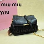 MIUMIU 1898-5 新款時尚人氣黑色褶皺牛皮女士迷你小包鏈條包