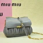 MIUMIU 1898-6 新款時尚人氣灰色褶皺牛皮女士迷你小包鏈條包