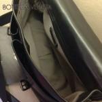 BV-8817 新款男士小 牛皮斜背包