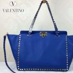 VALENTINO 05-3 時尚新款女士藍色大號橫款鉚釘包購物袋