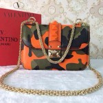 VALENTINO 09 個性新款橙色迷彩鉚釘元素小號晚宴包單肩包