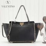 VALENTINO 021 潮人必備女士黑色原版皮荔枝紋大號鉚釘包手提包