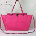 VALENTINO 05-6 時尚新款女士新玫紅色大號橫款鉚釘包購物袋