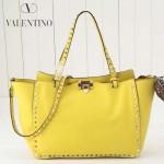 VALENTINO 021-3 潮人必備女士黃色原版皮荔枝紋大號鉚釘包手提包