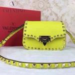 VALENTINO 011-4 歐美潮流經典款熒光黃原版皮鉚釘包斜挎包