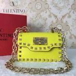 VALENTINO 012-5 個性朋克風熒光黃色原版皮鉚釘鏈條單肩包手拿包