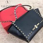 VALENTINO 01-2 新款潮流女士黑色原版牛皮大號蝙蝠柳釘包單肩包