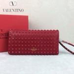 VALENTINO 019-2 前衛流行之選紅色全皮滿天星鉚釘窄款手拿包