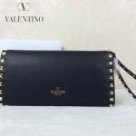 VALENTINO 020-2 人氣熱銷女士黑色全皮窄款鉚釘手拿包