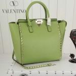 VALENTINO 1912-3 新款女士豆芽綠色原版皮大號豎款鉚釘包