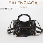 BALENCIAGA 300295-7 個性時尚新款女士黑色全皮進口小金釘機車包