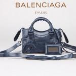 BALENCIAGA 300295 個性時尚新款寶藍色全皮進口黑小釘機車包