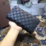 LV M60002-3 潮男必備新款黑色壓格紋拉鏈長款錢包手拿包