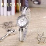 Bvlgari-46 人氣百搭新款閃亮銀白底鑲鑽藍寶石鏡面鋼間陶瓷女士石英腕錶