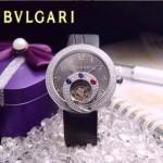 Bvlgari-63 時尚創意珠寶系列閃亮銀黑色鑲鑽飛輪顯示316L精鋼錶殼皮帶款自動機械腕錶