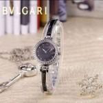 Bvlgari-47 人氣百搭新款閃亮銀黑底鑲鑽藍寶石鏡面鋼間陶瓷女士石英腕錶