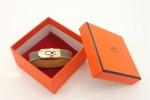 HERMES 00122 愛馬仕經典鎖扣卡其色十字紋金扣單圈手帶