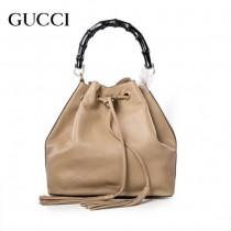 GUCCI 387613-4 專櫃最新款杏色小牛皮竹節水桶包手提單肩包