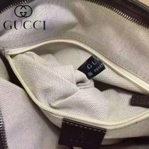 GUCCI 404042 秋冬時尚新款咖啡色PVC男士斜背包