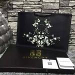 GIVENCHY-008-10 歐美百搭元素碎花圖案十字紋男女款手拿包