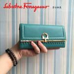 Ferragamo 22C348-5 復古民族風波西米亞風格孔雀藍色原版皮搭扣長款錢包