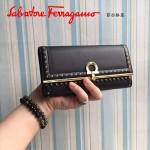 Ferragamo 22C348-3 復古民族風波西米亞風格黑色原版皮搭扣長款錢包