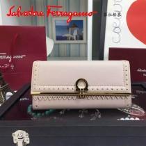 Ferragamo 22C348 復古民族風波西米亞風格淺粉色原版皮搭扣長款錢包