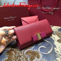 Ferragamo 22B559 時尚新款女士棗紅色原版皮搭扣法式長款錢包