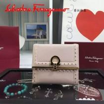 Ferragamo 22C373 專櫃最新款民族風淺粉色原版皮短款兩折錢包