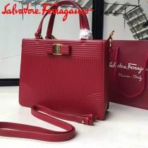 Ferragamo 21F490 時尚新款復古紅色原版水波紋手提單肩包