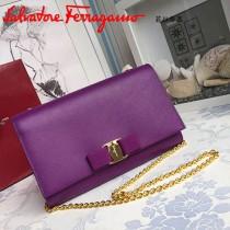 Ferragamo 22B558 專櫃最新款女士紫色原版皮單肩斜挎包晚宴包