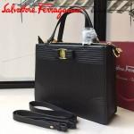 Ferragamo 21F490-2 時尚新款復古黑色原版水波紋手提單肩包