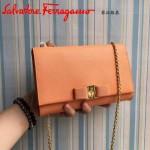 Ferragamo 22B558-2 專櫃最新款女士橙色原版皮單肩斜挎包晚宴包