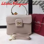 Ferragamo 21E484-3 專櫃最新款復古裸粉色原版皮手提斜挎包
