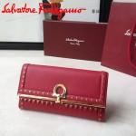 Ferragamo 22C351-2 專櫃最新款女士紅色原版皮搭配民族風裝飾中長款兩折錢包