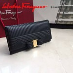 Ferragamo 22C403-2 專櫃最新款女士黑色原版水波紋搭扣長款錢包