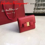 Ferragamo 22C406-4 潮流新款女士紅色原版水波紋搭扣短款錢包