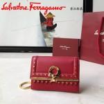 Ferragamo 22C350-2 最新波西米亞風格紅色原版皮配小鉚釘裝飾短款零錢包鑰匙包