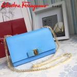 Ferragamo 22B558-4 專櫃最新款女士天藍色原版皮單肩斜挎包晚宴包