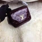 LV M90949-3 專櫃最新款Pasadena酒紅色漆皮壓花手提單肩包