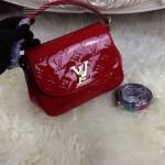 LV M90949-5 專櫃最新款Pasadena紅色漆皮壓花手提單肩包